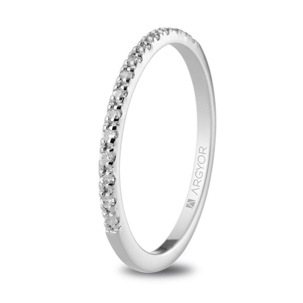 edfe581610d8 Anillo de platino con diamantes - Joyería Oliver del Pino
